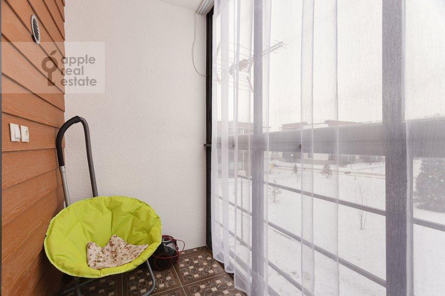 Balcony / Terrace / Loggia of the 3-room apartment at Konyukhova 9