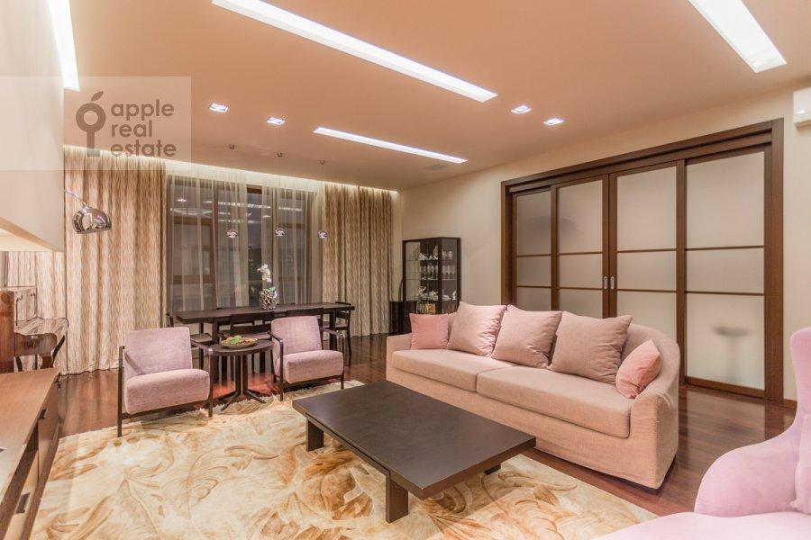 Гостиная в 3-комнатной квартире по адресу Мичуринский проспект 6к2