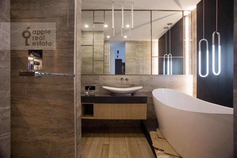Bathroom of the 3-room apartment at Dmitrovskoe shosse 13