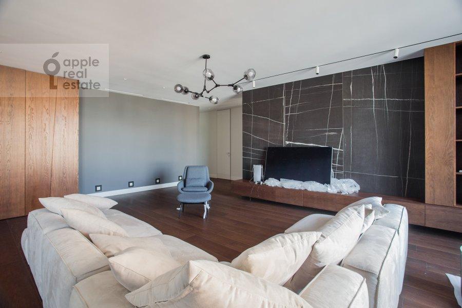 Living room of the 3-room apartment at Dmitrovskoe shosse 13