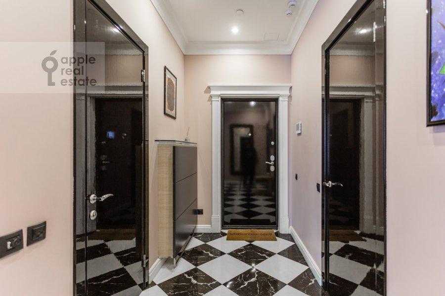 Коридор в 3-комнатной квартире по адресу Мосфильмовская улица 8