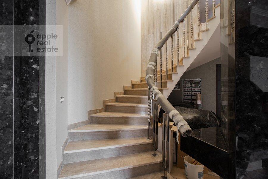 Corridor of the 5-room apartment at Universitetskiy prospekt 16