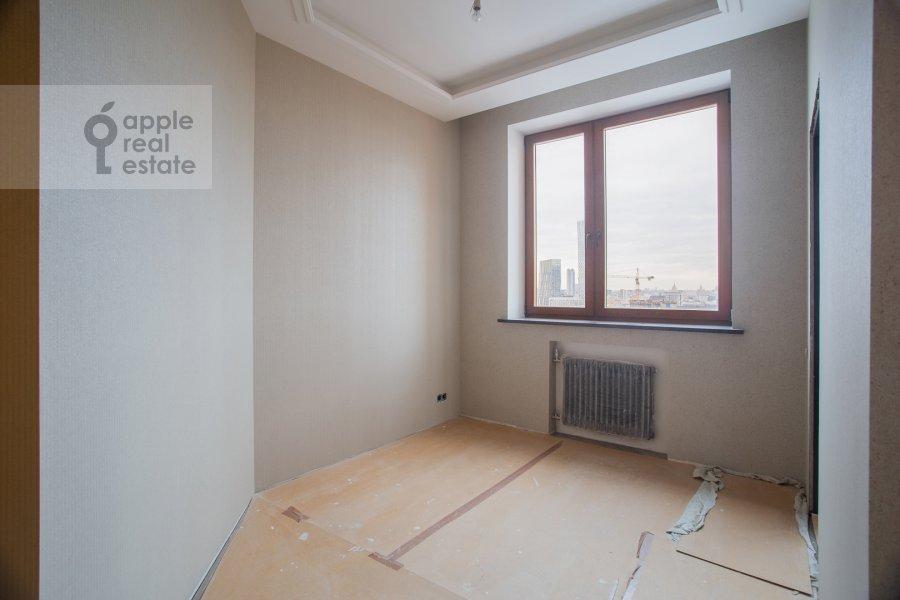 Children's room / Cabinet of the 5-room apartment at Universitetskiy prospekt 16