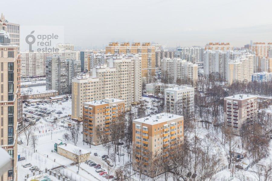 Вид из окна в 4-комнатной квартире по адресу Ярцевская улица 32