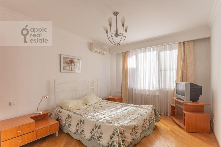 Спальня в 3-комнатной квартире по адресу Сергея Макеева ул. 1