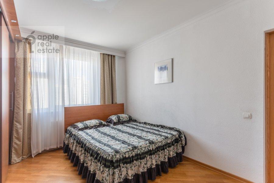 Bedroom of the 5-room apartment at Sergeya Makeeva ul. 1