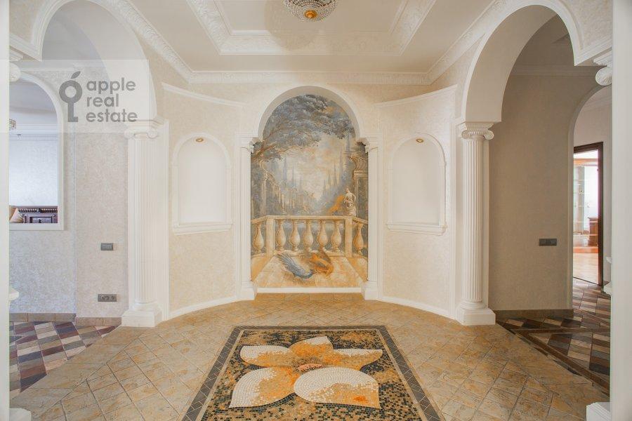 Corridor of the 4-room apartment at Filippovskiy pereulok 8