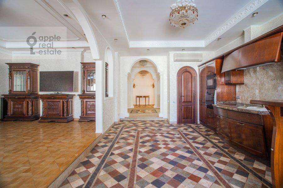 Kitchen of the 4-room apartment at Filippovskiy pereulok 8