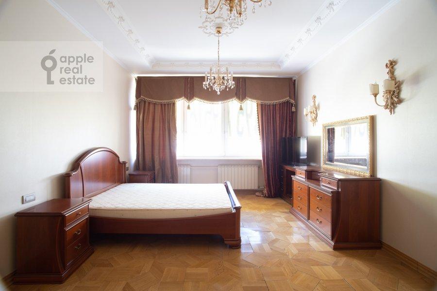 Bedroom of the 4-room apartment at Filippovskiy pereulok 8