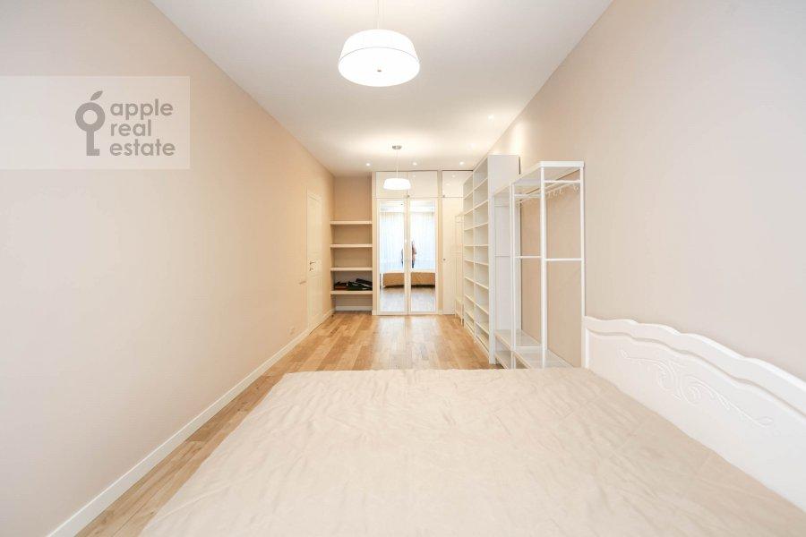 Bedroom of the 3-room apartment at Nezhinskaya ul. 1k2