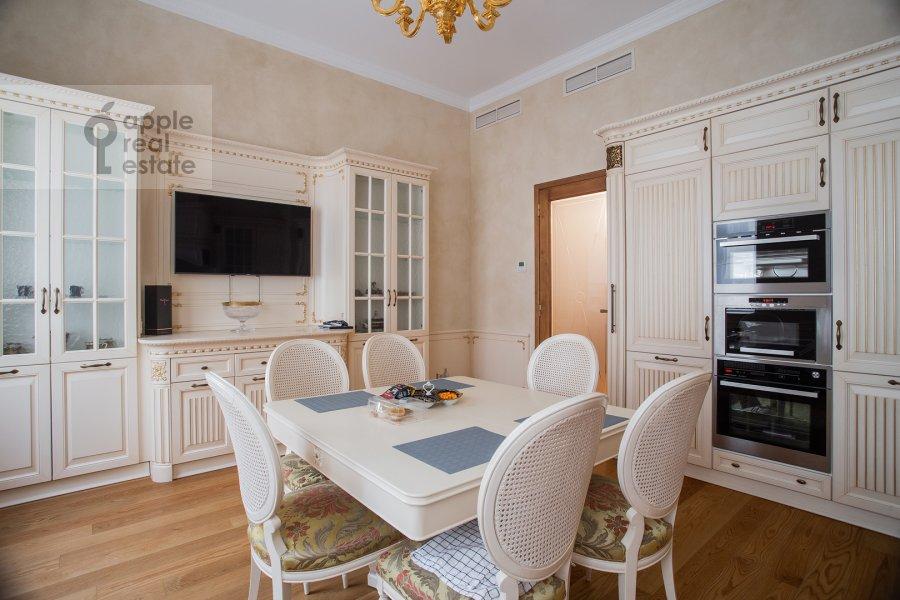 Kitchen of the 2-room apartment at Malyy Kakovinskiy pereulok 6S1