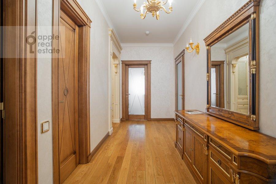 Corridor of the 2-room apartment at Malyy Kakovinskiy pereulok 6S1
