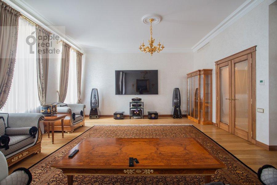 Living room of the 2-room apartment at Malyy Kakovinskiy pereulok 6S1