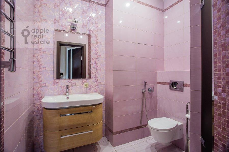 Санузел в 3-комнатной квартире по адресу Мичуринский проспект 16