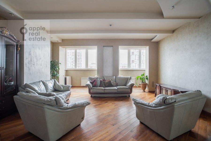 Гостиная в 3-комнатной квартире по адресу Мичуринский проспект 16