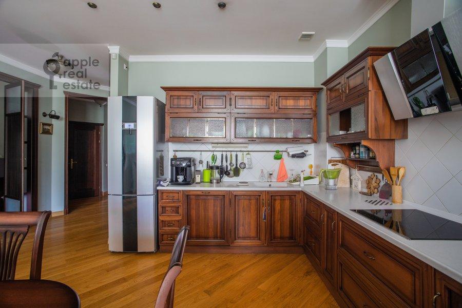 Kitchen of the 3-room apartment at Klimentovskiy pereulok 2
