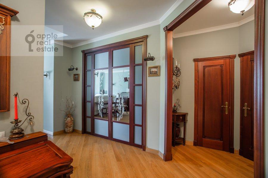 Corridor of the 3-room apartment at Klimentovskiy pereulok 2