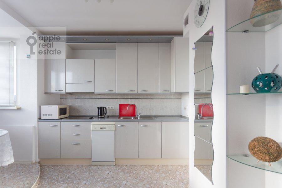 Kitchen of the 4-room apartment at Sergeya Makeeva ul. 1