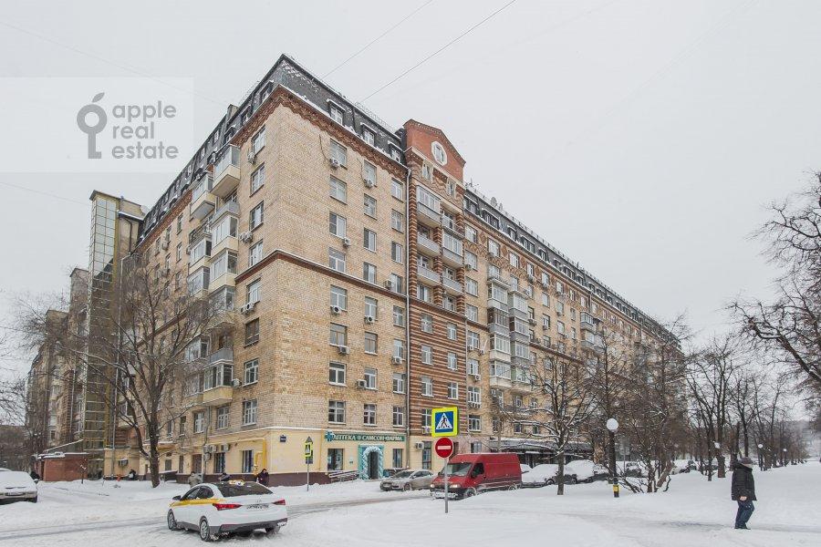 Photo of the house of the 4-room apartment at Frunzenskaya naberezhnaya 36/2