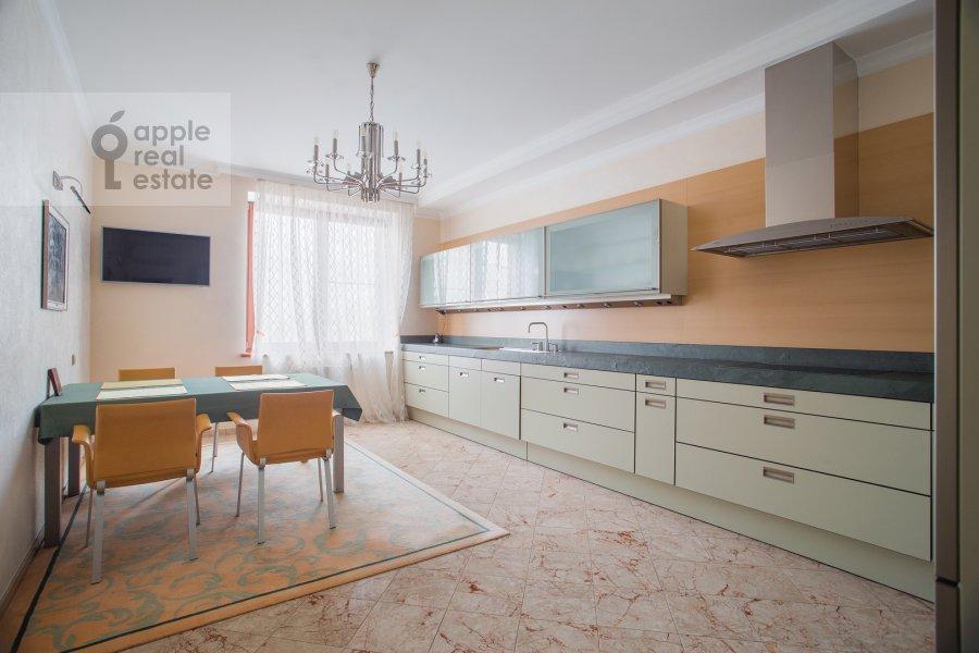 Kitchen of the 3-room apartment at Zvenigorodskaya ulitsa 8k1