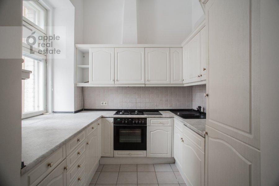Kitchen of the 5-room apartment at Zhukovskogo ul. 2