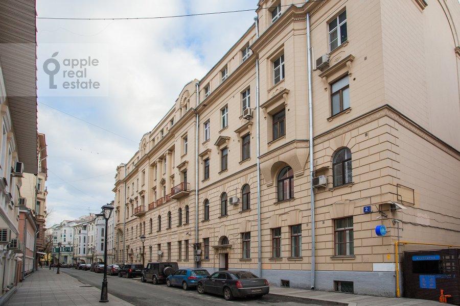 Фото дома 5-комнатной квартиры по адресу Жуковского ул. 2