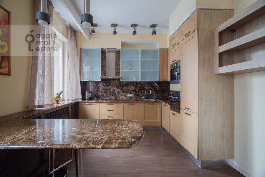 Кухня в 3-комнатной квартире по адресу Даев пер. 33