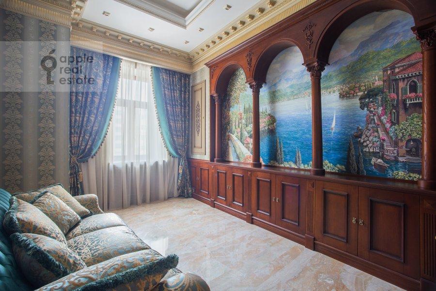 Children's room / Cabinet of the 3-room apartment at Milyutinskiy pereulok 3