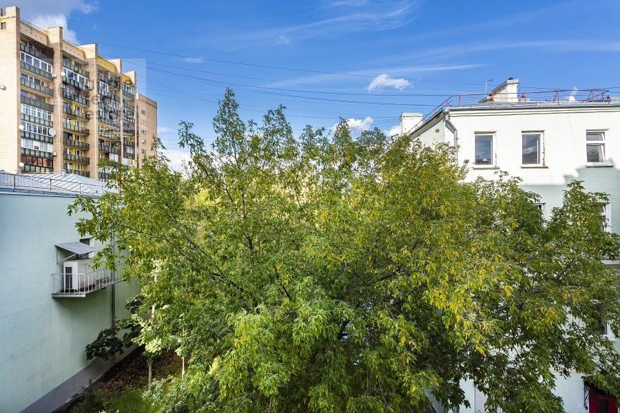 Вид из окна в 5-комнатной квартире по адресу Хлебный переулок 26