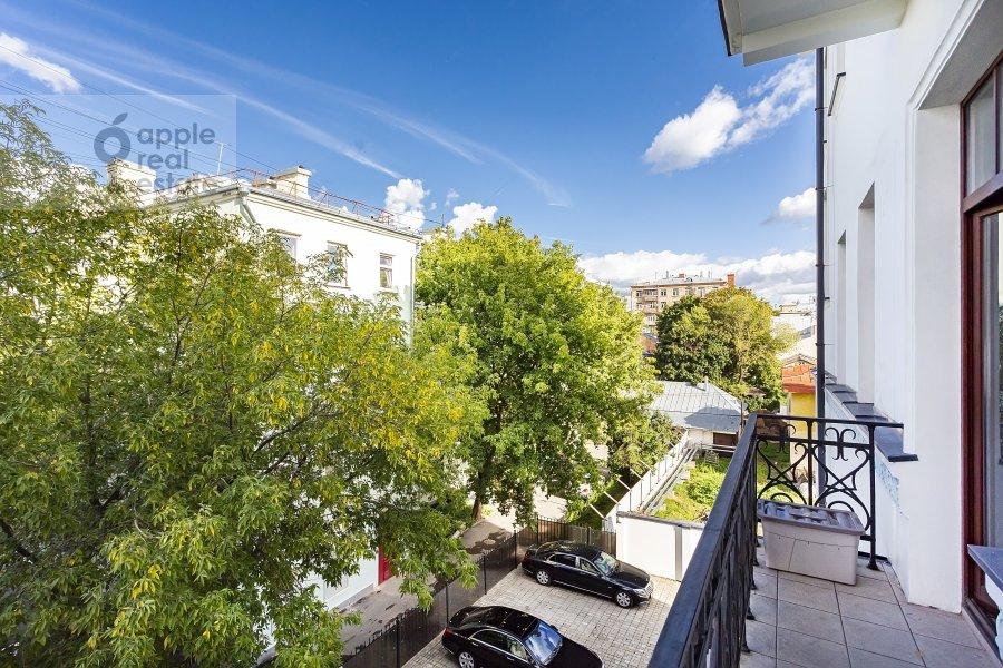 Балкон / Терраса / Лоджия в 5-комнатной квартире по адресу Хлебный переулок 26