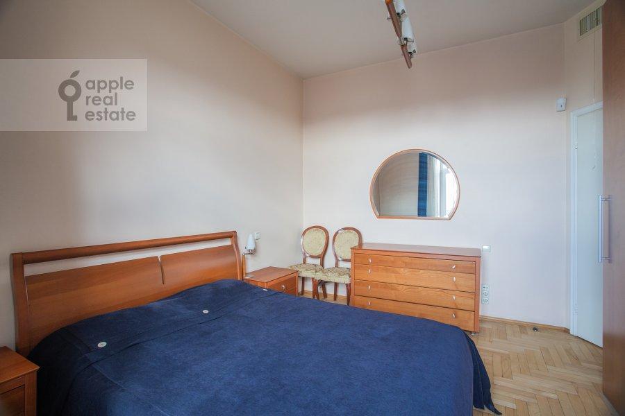 Bedroom of the 3-room apartment at Tverskaya ul. 27s2