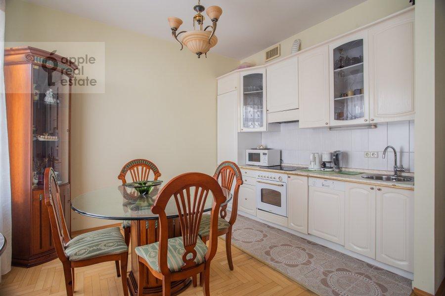 Kitchen of the 3-room apartment at Tverskaya ul. 27s2
