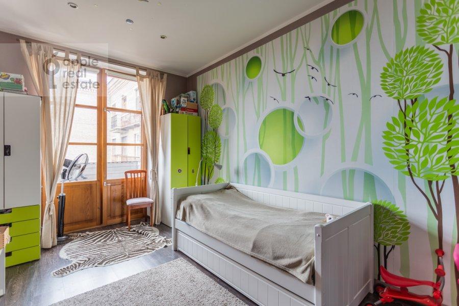 Детская комната / Кабинет в 3-комнатной квартире по адресу Фрунзенская набережная 28