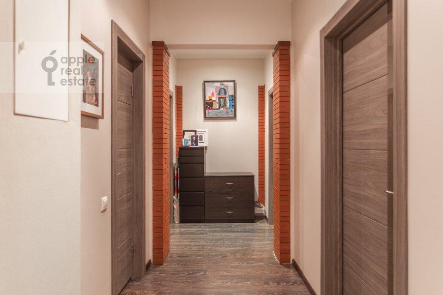 Коридор в 3-комнатной квартире по адресу Фрунзенская набережная 28