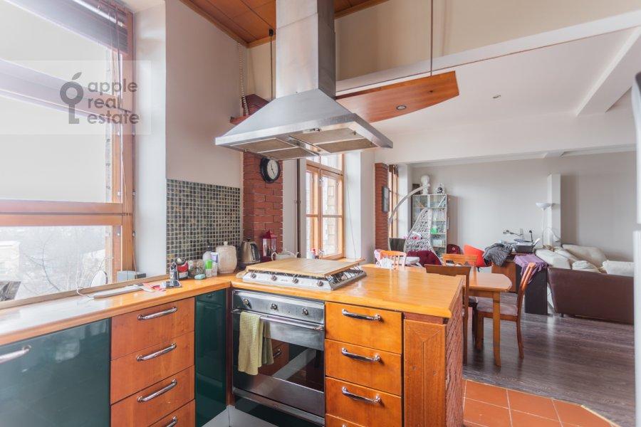 Кухня в 3-комнатной квартире по адресу Фрунзенская набережная 28