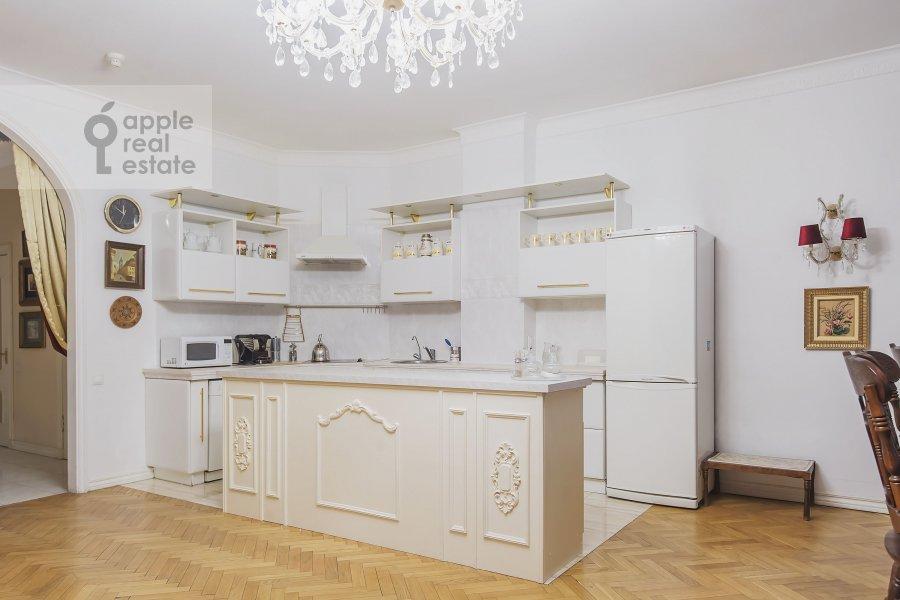 5-room apartment at Mozhayskoe shosse 2