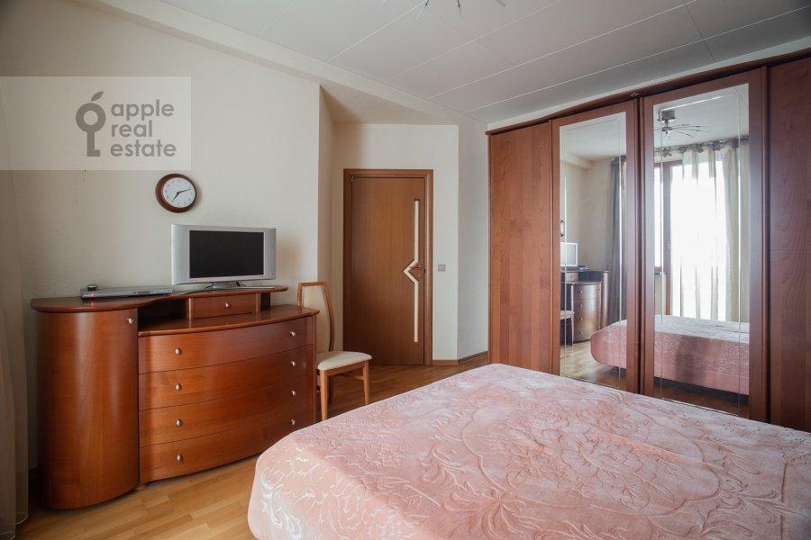 Спальня в 3-комнатной квартире по адресу Академика Анохина 4к2