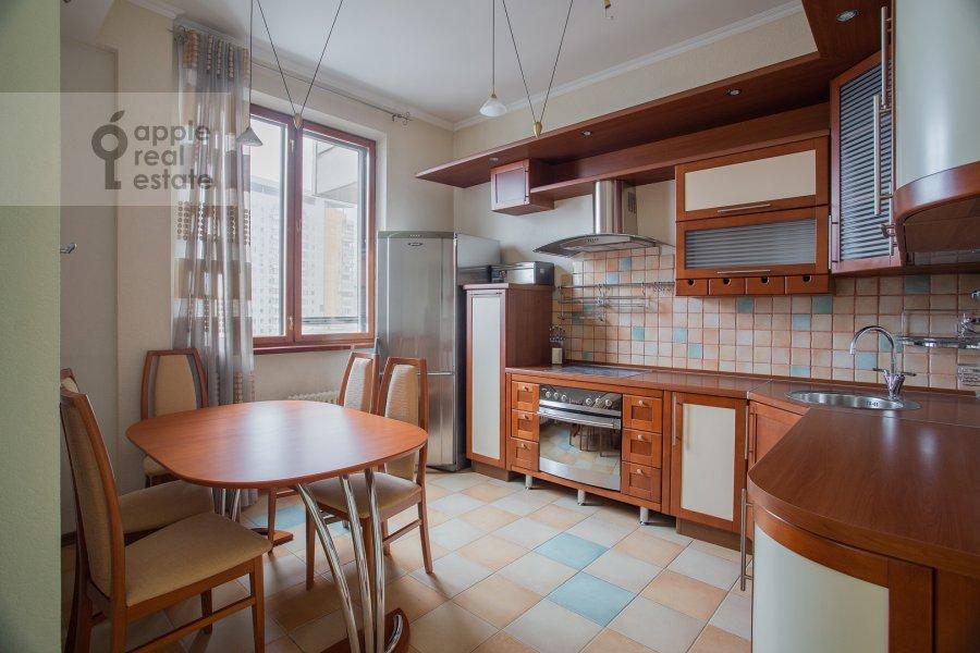 Кухня в 3-комнатной квартире по адресу Академика Анохина 4к2