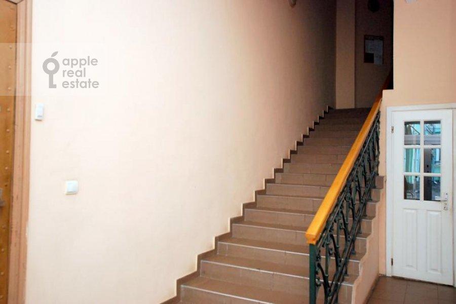 Подъезд 3-комнатной квартиры по адресу Армянский пер. 7