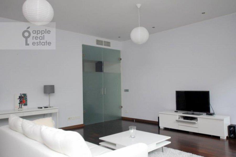 Гостиная в 3-комнатной квартире по адресу Армянский пер. 7
