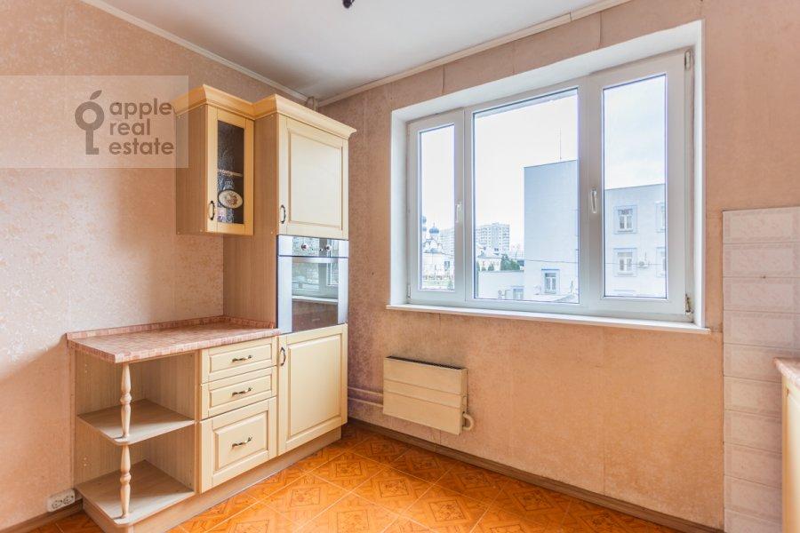 Кухня в 3-комнатной квартире по адресу Южнобутовская ул. 5