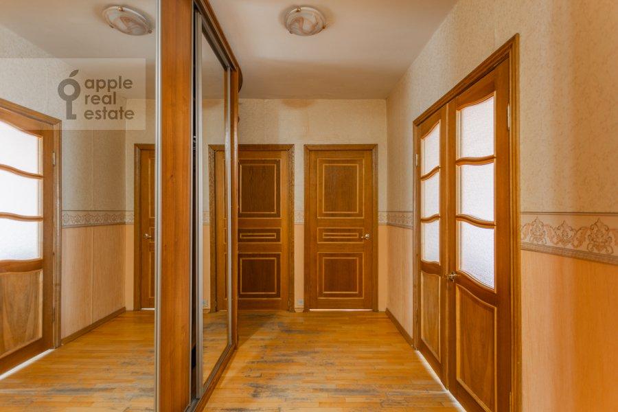 Коридор в 3-комнатной квартире по адресу Южнобутовская ул. 5