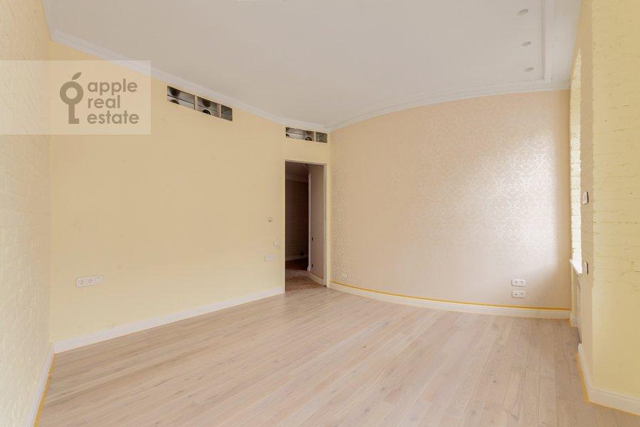 Children's room / Cabinet of the 3-room apartment at Arbat 29