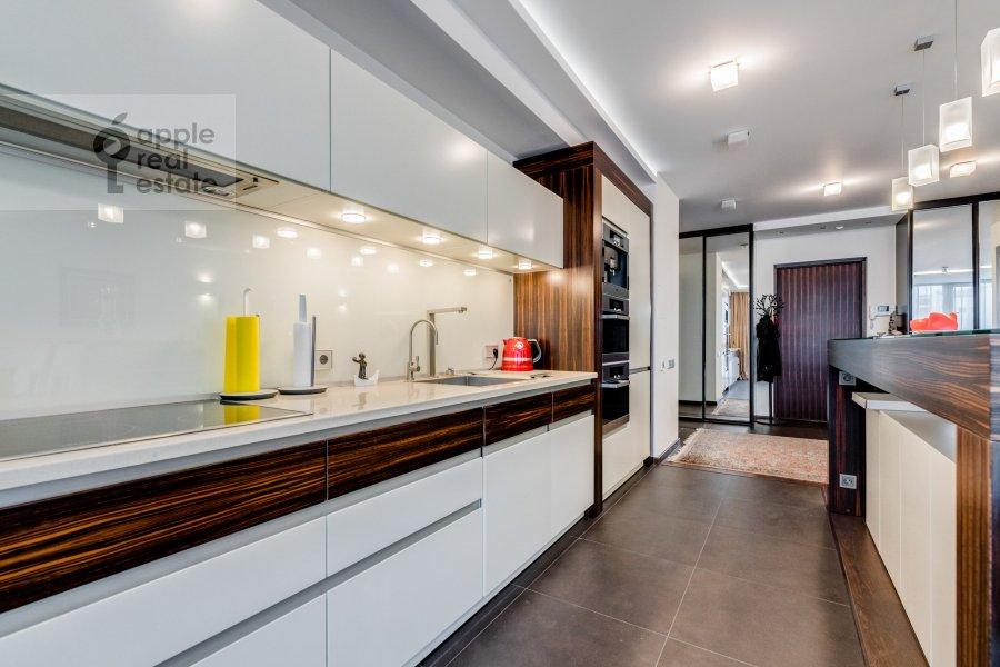 Кухня в 2-комнатной квартире по адресу Большая Филевская улица 16к1