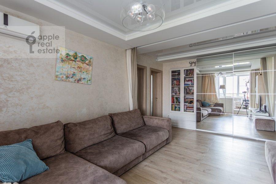 Гостиная в 3-комнатной квартире по адресу Сходненская 3
