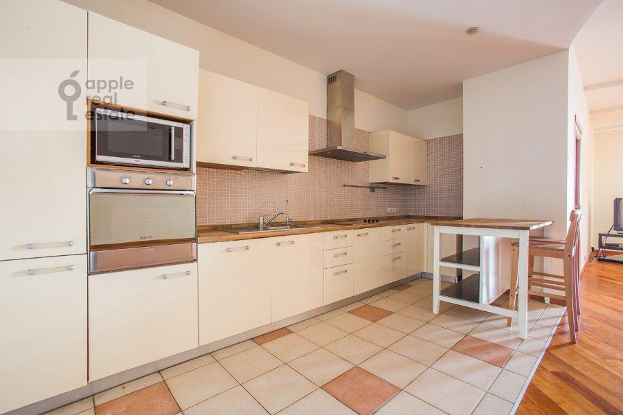 Kitchen of the 5-room apartment at Arbat Novyy ul. 29