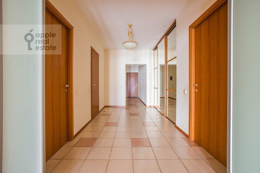 Corridor of the 5-room apartment at Arbat Novyy ul. 29