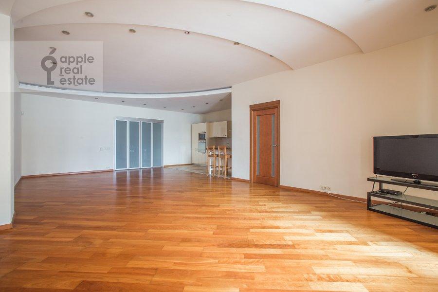 Living room of the 5-room apartment at Arbat Novyy ul. 29