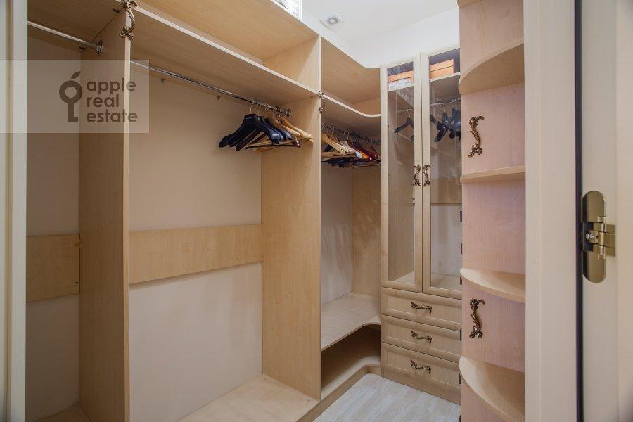 Walk-in closet / Laundry room / Storage room of the 3-room apartment at Malaya Filevskaya ulitsa 40k1