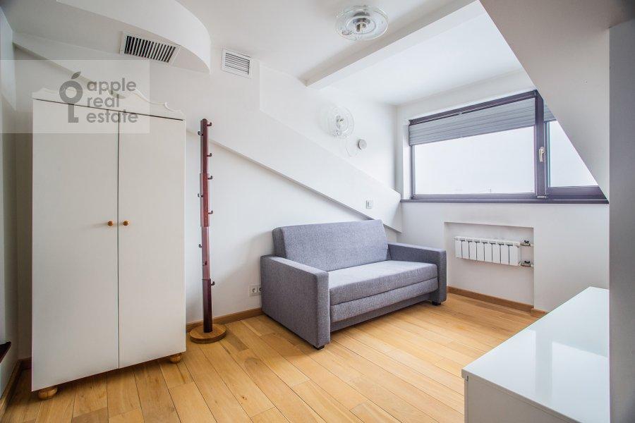 Детская комната / Кабинет в 5-комнатной квартире по адресу Брюсов переулок 2/14С3